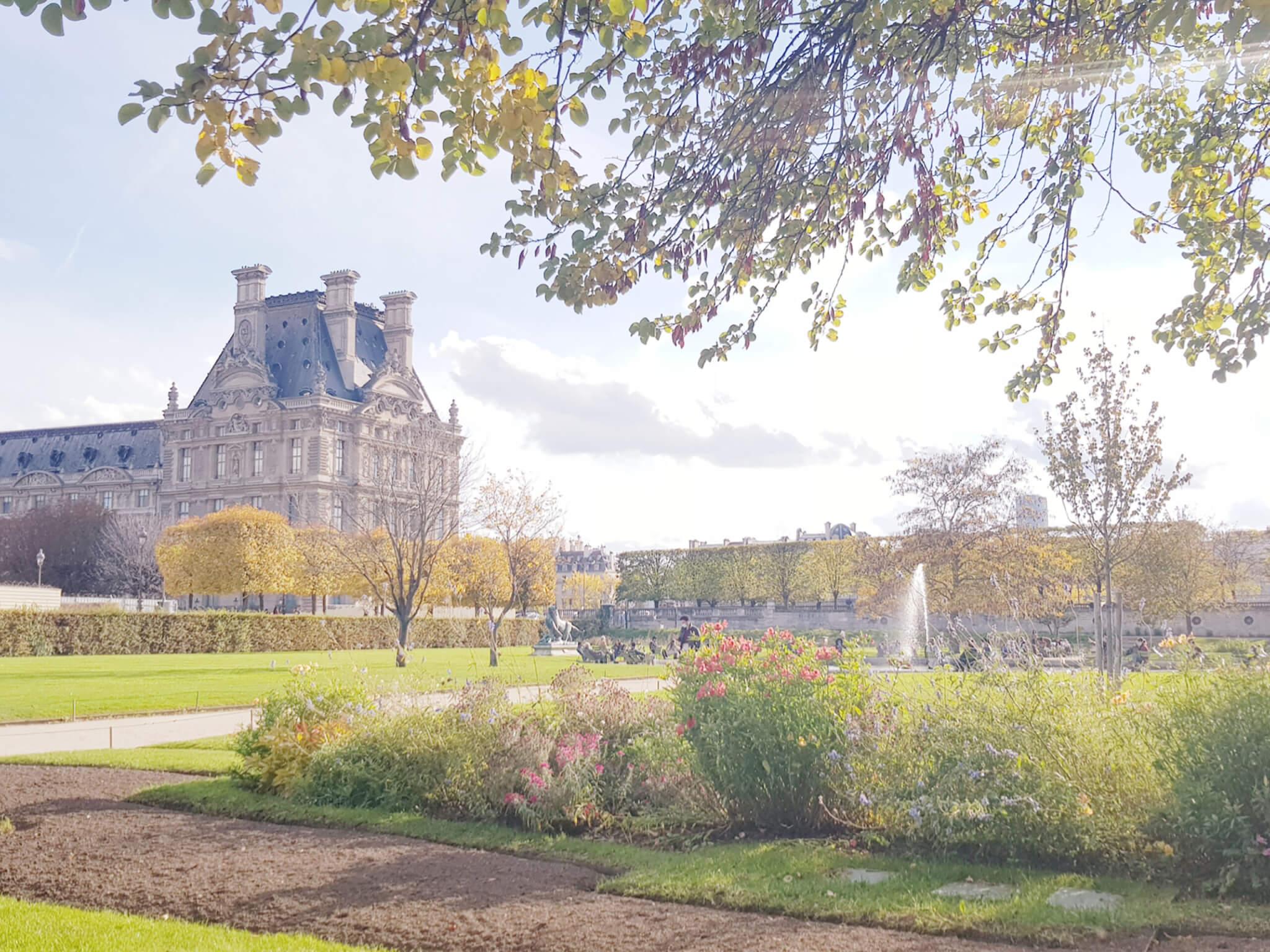 family picture Paris Tuileries
