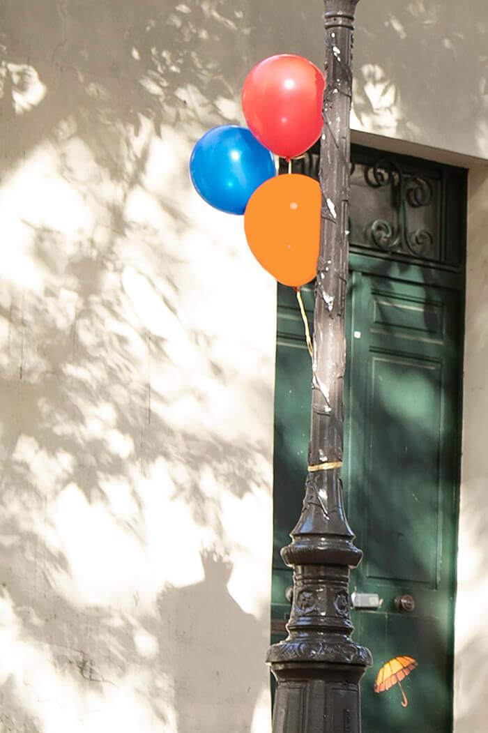 balloons in montmartre