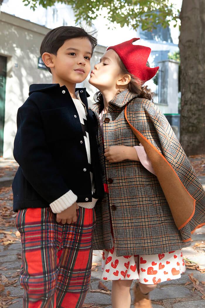 children strolling in Montmartre